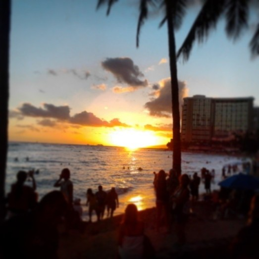 o'ahu honolulu waikiki beach sunset